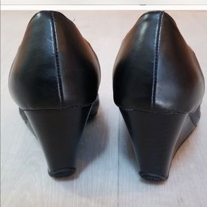Kenneth Cole Reaction Shoes - Kenneth Cole reaction wedges!